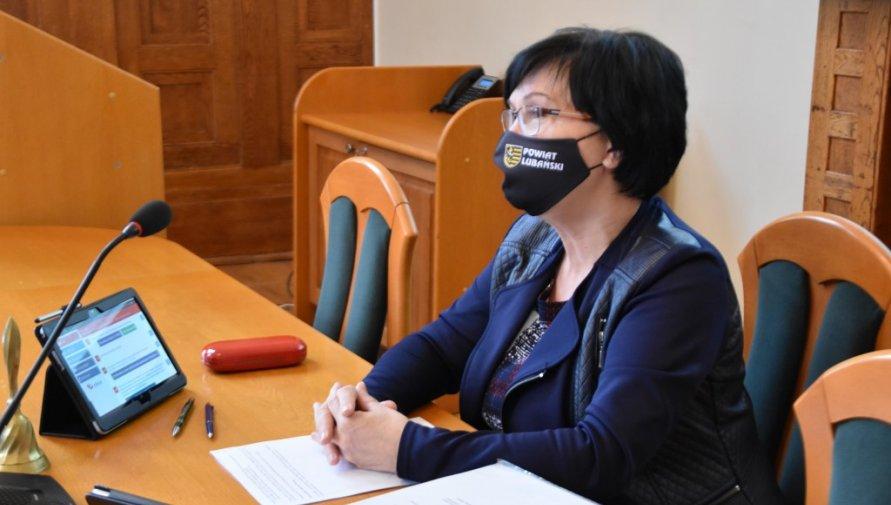 Przewodnicząca Rady Powiatu Lubańskiego Halina Białoń