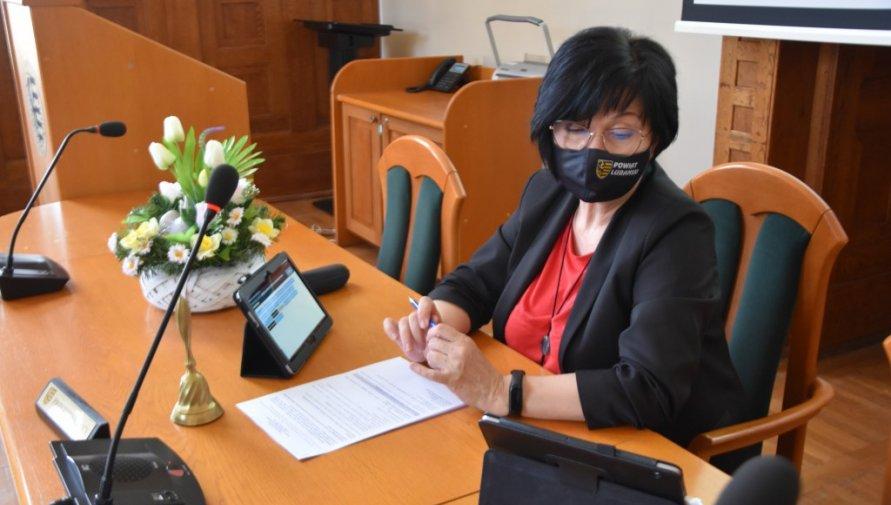 Przewodnicząca Rady podczas sesji