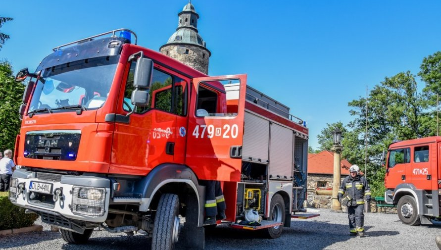 Ilustracja wozu strażackiego